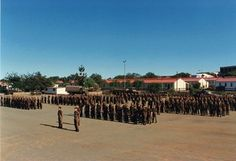 SADF Ist Parabat Battalion on parade at Tempe, Bloemfontein. Military Training, Military Service, Military Life, Military History, Military Art, Army Pics, Parachute Regiment, Army Day, Defence Force