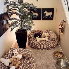 WEBSTA @ studiorcarquitetura - Até o cantinho dos nossos queridos animais de estimação podem sim ser pensados e projetados com todo o carinho para eles se sentirem tão bem recebidos e queridos em casa! 🐶🐾 Uma dica é sempre buscar os itens para os pets que conversem com a decoração já existente na residência, assim fica mais harmonioso e elegante!! 🐶🐾🐶🐾🐶🐾 {Inspiração • Foto Pinterest} ••••••••••••••••••••••••••••••••••••••••• #DicasStudioRCA  #arquitetura#decoração #fashion#interiores…