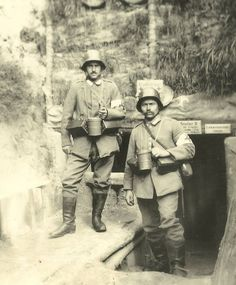 Two Imperial German soldiers, World War 1.
