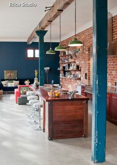 Brick walls don't mean industrial style – you can just add some trendy brick clad to your space in any style. A brick wall in the kitchen. Exposed Brick Kitchen, Kitchens With Brick Walls, Decorating Tips, Interior Decorating, Industrial Kitchen Design, Industrial Style, Industrial Kitchens, Old Brick Wall, Design Typography