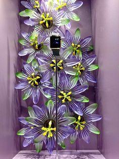 (A través de CASA REINAL) >>>>  VM choice: Apple Watch flowers at Selfridges - Retail Design World