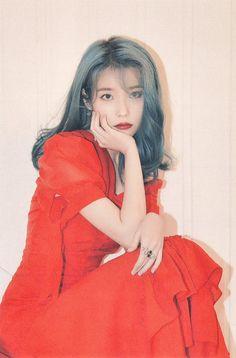 Photo album containing 186 pictures of IU Kpop Girl Groups, Kpop Girls, Iu Twitter, Korean People, Art Anime, Iu Fashion, Golden Child, Celebs, Celebrities