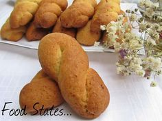 Κουλουράκια νηστίσιμα (αφράτα) Greek Sweets, Greek Desserts, Cookie Desserts, Greek Recipes, Vegan Recipes, Scones Vegan, Greek Cookies, Nutella, Baked Goods