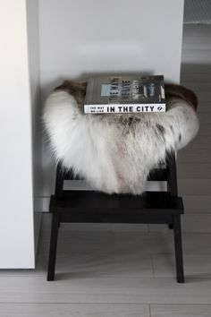 homevialaura | Reindeer hide | The way we live in the city #winter