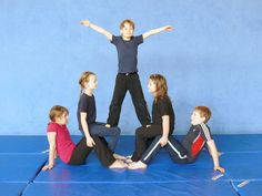 Children's gymnastics is called … Yoga For Kids, Exercise For Kids, Gymnastics Lessons, Children's Gymnastics, Chico Yoga, Core Workout Routine, Cardio Training, Cheer Coaches, Partner Yoga