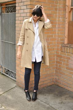 jeggings, oversized shirt, boots, trench