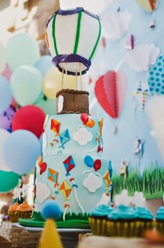 The Frosted Petticoat: Up in the air so high! The Cake