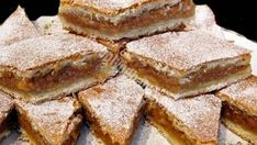 Prajitura cu Mere, pentru lenesi, gata in doar cateva minute :) Sweets Recipes, Cake Recipes, Cooking Recipes, Romania Food, Romanian Desserts, Romanian Recipes, Sweets Cake, Dessert Drinks, Apple Pie