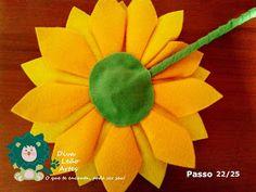 Eu Amo Artesanato: Flor Girassol em Feltro com molde Diy, Salvador, Sunflowers, Biscuit, Felt Dolls, Sunflower Flower, Sunflower Party, Masha And The Bear, Cushions