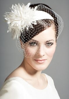 R1222 - Silk crescent with snowflake feather flowers and veil