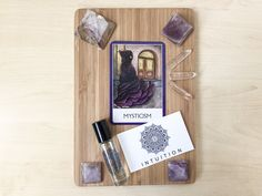 "Good morning! This week's Plate of Inspiration is about Mysticism and Intuition. I'm still getting familiar with the Chakra Wisdom Oracle cards (the card with the purple edge), so it's an adventure for me every time I use this deck!  It seemed to be a purple, third-eye kinda reading today.  This card says: ""It is wise to be the observer. Do not respond until you are certain. The unknown is not easy, but it is no longer necessary to fear.""  Read more about this plate on the blog!"