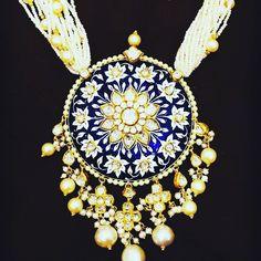 Wedding Jewellery designer, manufacturer, retailer , exporter and valuer. India Jewelry, Gold Jewellery Design, Latest Jewellery, Simple Jewelry, Pendant Jewelry, Bridal Jewelry, Antique Jewelry, Fashion Jewelry, Rakhi