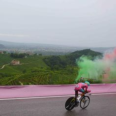 "fabbricadellabici:  ""1 day in pink @FabioAru1 @giroditalia #stage14 #timetrial #cycling #fightforpink #mightbetheonlyday #giro #landscape""instagram.com"