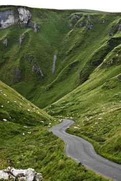 Winnat's Pass, Castleton, Derbyshire