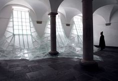 AÉRIAL by Baptiste Debombourg, France. Site-specific installation at the Abbey Brauweiler in Germany. This installation took 420 hours to realise and utilises 2 tons of glass. Broken Glass Art, Shattered Glass, Glass Installation, Art Installations, Sculptures Céramiques, Glass House, French Artists, Art Design, Modern Design