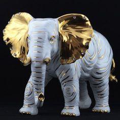 Resultado de imagen para elefantes decorados con piedras Deco Elephant, Elephant Love, Elephant Head, Pottery Sculpture, Sculpture Art, Sculptures, Cutest Animals On Earth, Animals And Pets, China Painting