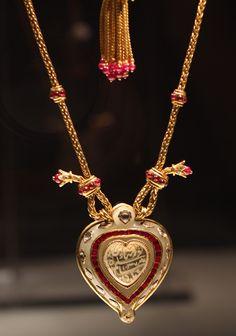 Taj Mahal Diamond Necklace /  8.8 million / Christie's / Elizabeth Taylor