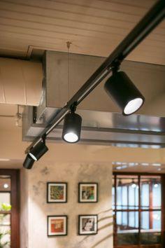 Led Garage Lights, Led Shop Lights, Garage Lighting, Shop Lighting, Room Lights, Lighting Design, Spot Sur Rail, Blitz Design, Delta Light
