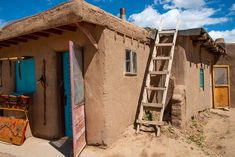 Tips for exploring Taos New Mexico on an active trip. Hike, Bike and visit the Taos Pueblo. #newmexico #ustravel New Mexico Style, Taos New Mexico, Gorges State Park, Taos Pueblo, Mountain Bike Trails, Go Hiking, Travel Activities, Day Hike, Mexico Travel