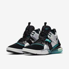 White Sneakers, Casual Sneakers, Sneakers Fashion, Fashion Shoes, Fly Shoes, Nike Shoes, Sneakers Nike, Nike Air Vapormax, Nike Air Force