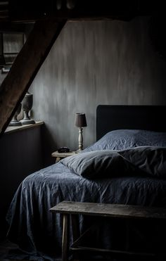 Most Design Ideas Bedroom With Dark Blue Walls Pictures, And Inspiration – Modern House Dark Cozy Bedroom, Master Bedroom, Bedroom Decor, Bedroom Black, Decoration Inspiration, Interior Inspiration, Bedroom Goals, Home Design, Interior Design