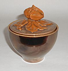 Red Wing Pottery Kashmir Oak Leaves & Acorn Sugar Bowl