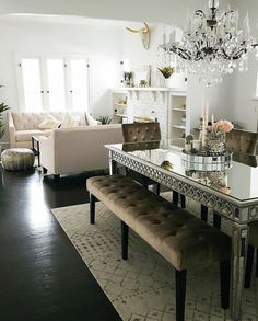 Our Sophie Mirrored Dining Table and Lola Bench play nice with scandi-desert decor! Thanks for sharing your dreamy & glamorous entertaining area Champagne + Macaroons 👏👏 Luxury Dining Room, Dining Room Design, Dining Room Furniture, Living Room Mirrors, Living Room Decor, Living Dining Combo, Dining Room Inspiration, Home Decor, Room Kitchen