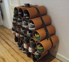 Sapateira de canos de papelão