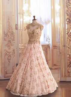 gown in gold and light pink