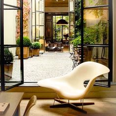mid-century-furniture: Charles & Ray Eames La Chaise, 1948. Originally designed for a competition at the Museum of Modern Art in New York #eames #vintage #midcenturymodern #armchair #fantastic