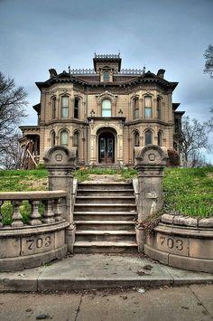 Casas abandonadas que parecem mal assombradas