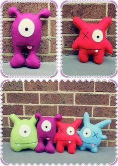 Muñecos de trapo en colores muy alegres. Monster Softies, Toys.
