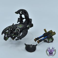 Necrons - Command Barge #ChaoticColors #commissionpainting #paintingcommission #painting #miniatures #paintingminiatures #wargaming #Miniaturepainting #Tabletopgames #Wargaming #Scalemodel #Miniatures #art #creative #photooftheday #hobby #paintingwarhammer #Warhammerpainting #warhammer #wh #gamesworkshop #gw #Warhammer40k #Warhammer40000 #Wh40k #40K #heldrake #chaos #warhammerchaos #warhammer40k #zenos #Necrons #CommandBarge Warhammer 40000, Tabletop Games, Gw, Miniatures, Creative, Painting, Board Games, Painting Art, Warhammer 40k