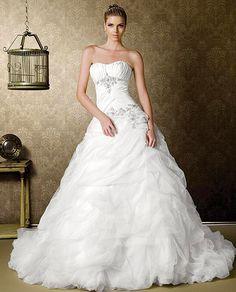 ¡Nuevo vestido publicado!  BRIDENFORMAL - T ¡por sólo $9000! ¡Ahorra un 50%!   http://www.weddalia.com/mx/tienda-vender-vestido-de-novia/bridenformal-t/ #VestidosDeNovia vía www.weddalia.com/mx