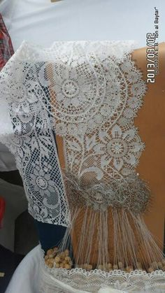 This lace is lovely from Belgium*** Antique Lace, Vintage Lace, Bobbin Lacemaking, Types Of Lace, Lace Art, Bobbin Lace Patterns, Yarn Bombing, Linens And Lace, Chiffon Ruffle