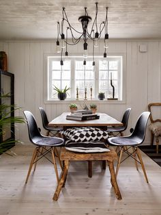 Home Tour: Styling By Anna Truelsen - Photo By Jonas Lundberg