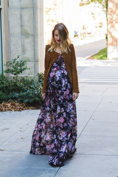 Little Blonde Book by Taylor Morgan   A Life and Style Blog : Floral and Suede   Cyber Monday