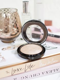 My Holy Grail Highlighter: MAC Mineralize Skinfinish in Soft & Gentle Review