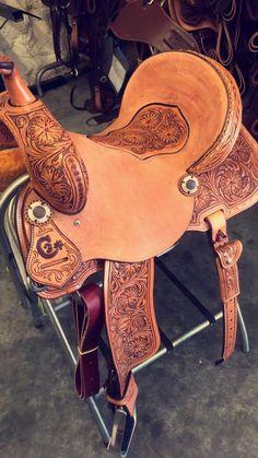 Saddles and Horse Blankets - HorseMoja Barrel Racing Saddles, Barrel Saddle, Barrel Horse, Horse Saddles, Horse Gear, My Horse, Horse Riding, Horse Tips, Western Horse Tack