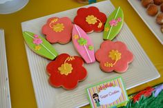 Cookies at a Hawaiian Luau Party #hawaiianluau #partycookies