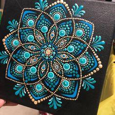 Dot Painting Tools, Dot Art Painting, Painting Patterns, Mandala Art Lesson, Mandala Drawing, Mandala Painting, Mandala Painted Rocks, Mandala Rocks, Mandala Pattern