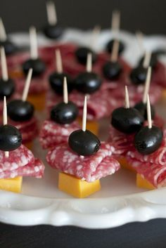 Best Appetizers For Party Potlucks Snacks 61 Ideas No Cook Appetizers, Easy Appetizer Recipes, Appetizers For Party, Snack Recipes, Party Fingerfood, Salami Appetizer, Vegetable Appetizers, Chicken Appetizers, Kid Recipes