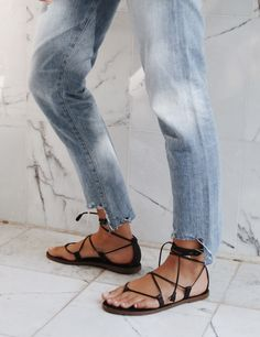 Citizens of Humanity jeans, Madewell sandals.