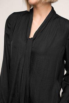 Esprit / Satijnen blouse met striklint