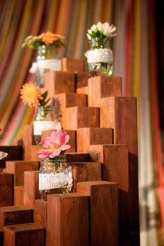 easy #diy flower display with wood and jars