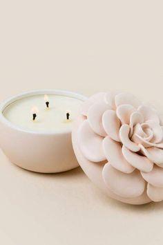 Illume Blush Flower Candle