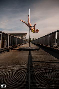 19 besten poledance polesport bilder auf pinterest aerial hoop pole dance moves und poledance. Black Bedroom Furniture Sets. Home Design Ideas