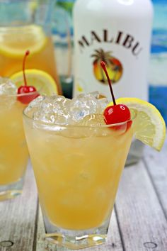 Banana Rum Punch My Incredible Recipes – Discover Delicious Easy Alcoholic Drinks, Alcholic Drinks, Liquor Drinks, Cocktail Drinks, Fun Drinks, Bourbon Drinks, Banana Rum Drinks, Malibu Rum Drinks, Christmas Drinks Alcohol