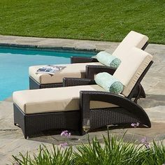 Outdoor Patio Wicker 2 Chaise Lounges W/sunbrella Cushions