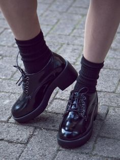 NEW Lace up mid heel chunky style shoes   Mint Vintage